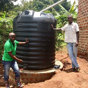 Regenwassertank für die Pflege der Bäume